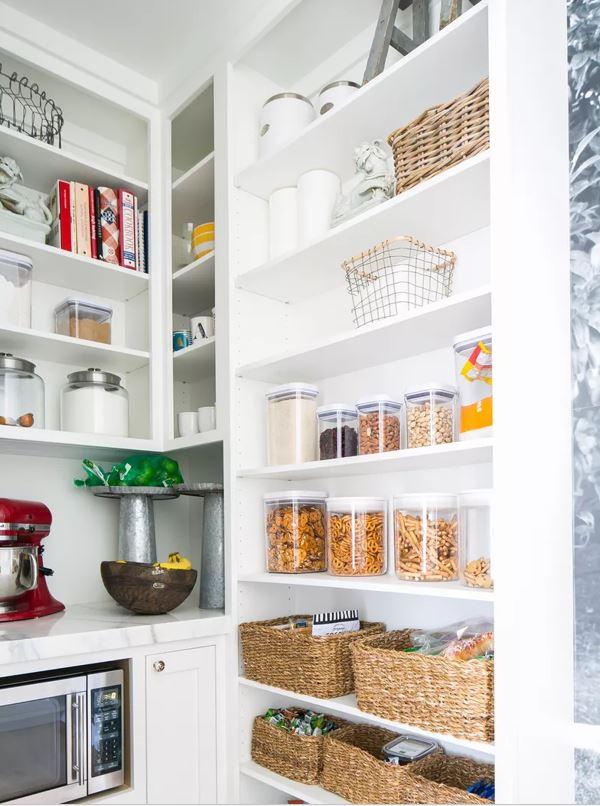 Read more about the article 5 idées de rangement pour la cuisine qui feraient la fierté de Marie Kondo